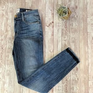 NEW Frame Le High Skinny Jeans with Unfinished Hem